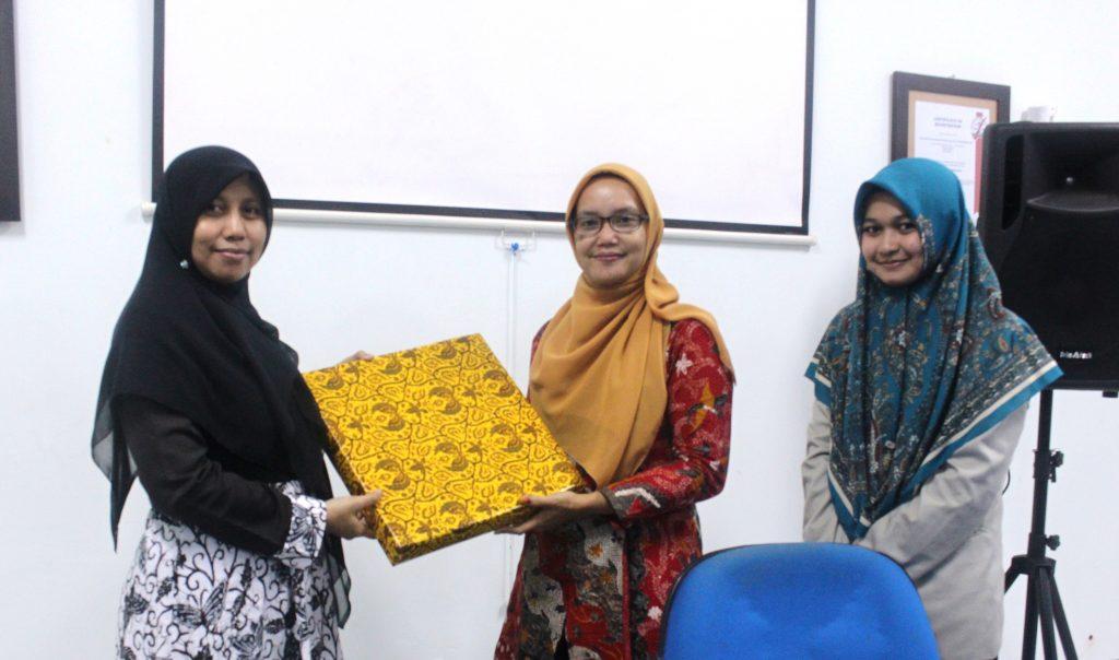 UNIPDU Studi Kewirausahaan di Perbankan Syariah