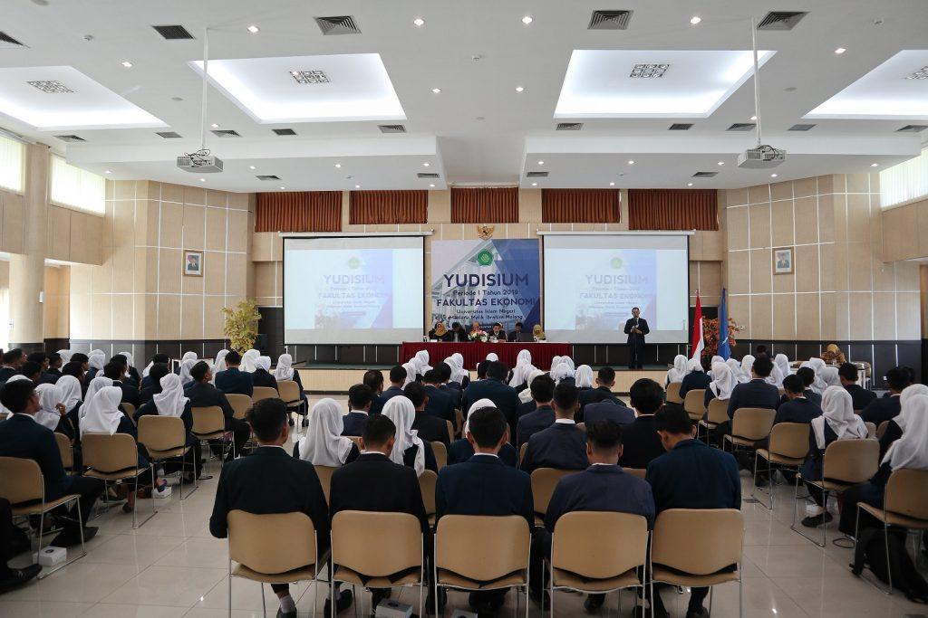 Yudisium Periode I 2019: FE Luluskan 141 Mahasiswa