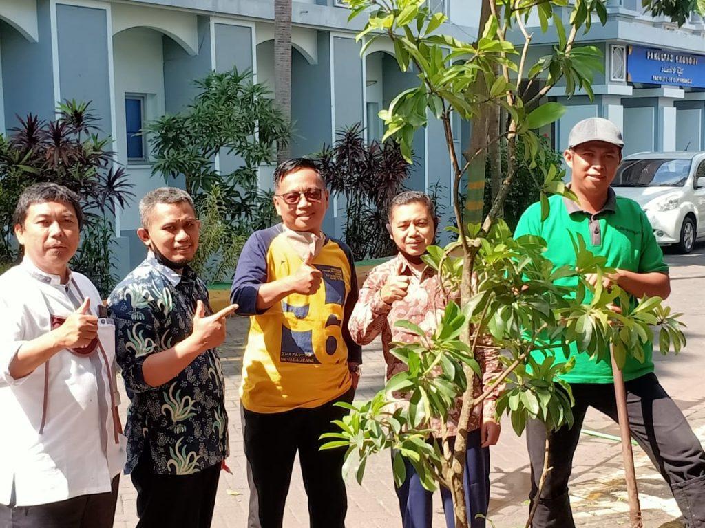 Jariyah Pohon Buah Professor